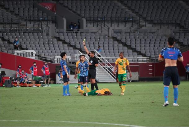 サッカー男子 審判 南アフリカ戦